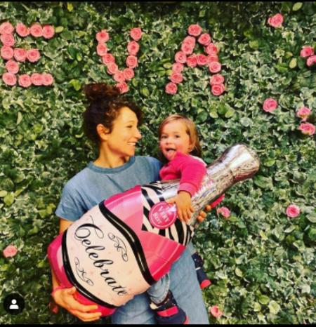 Janina Elkin welcomed a daughter Romy Liv Elkin in 2017.