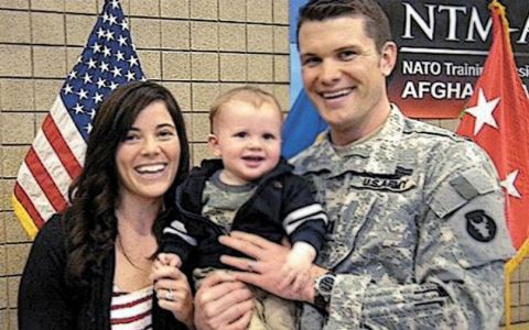 Samantha Hegseth poses with her son and husband Pete Hegseth.