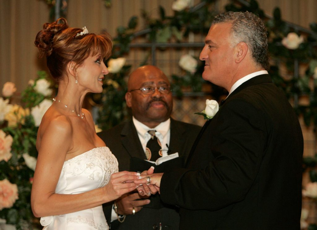 Evanka Franjko  in a white gown in her wedding with Joey Buttafuoco