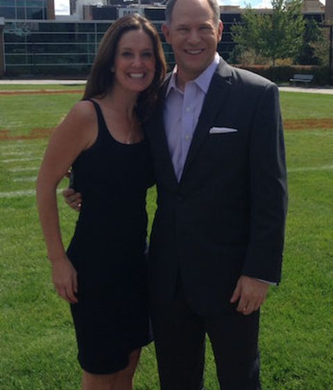 Sharyn Alfonsi poses a picture with her husband.