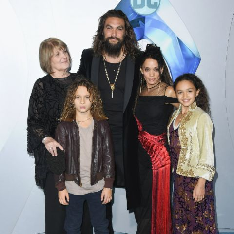Lola Lolani Momoa poses a picture with her family.