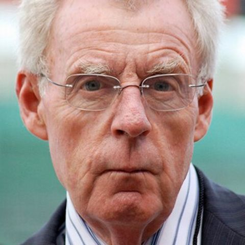 Peter Gammons has collected a net worth collection of $500,000