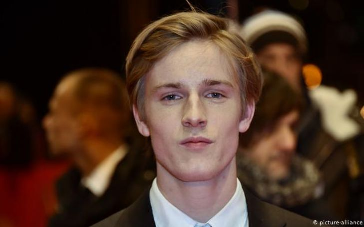 Louis Hofmann is a wealthy actor with a net worth of $800K