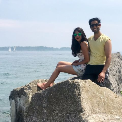 Aalia Adam poses with her husband Fahad Diwan in the seashore.