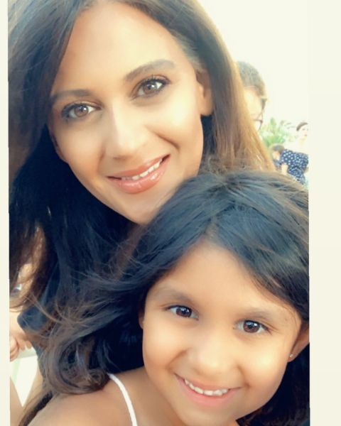 Sonia Deol  poses a picture with her daughter.