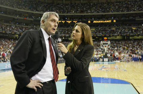 Bonnie Bernstein interviewing a manager.