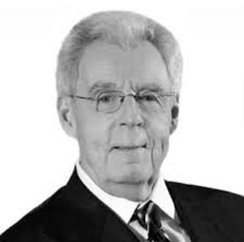 Peter Gammons is happily married to his wife Gloria Gammons