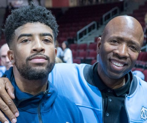 Kenny Smith marriage with Osborne duo marriage resulted in two kids, a son, Malloy (in 2008) and, a daughter, London (in 2012).