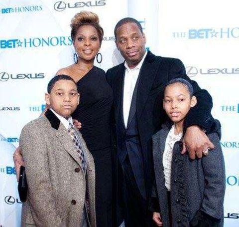 Kendu Isaacs welcomed two sons, Nas and Jordan, with his first wife.