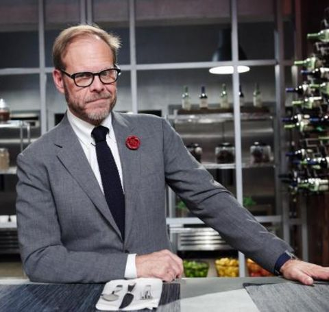 Alton Brown has a huge net worth as he earns his wealth by hosting different shows such as Feasting on Waves, Iron Chef America, Feasting on Asphalt, Cutthroat Kitchen, etc.
