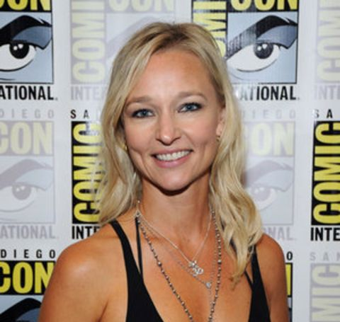 The 50-year-old beautiful actress is currently single, but she is the mother of her lovely daughter Jude Lyon Matchett.