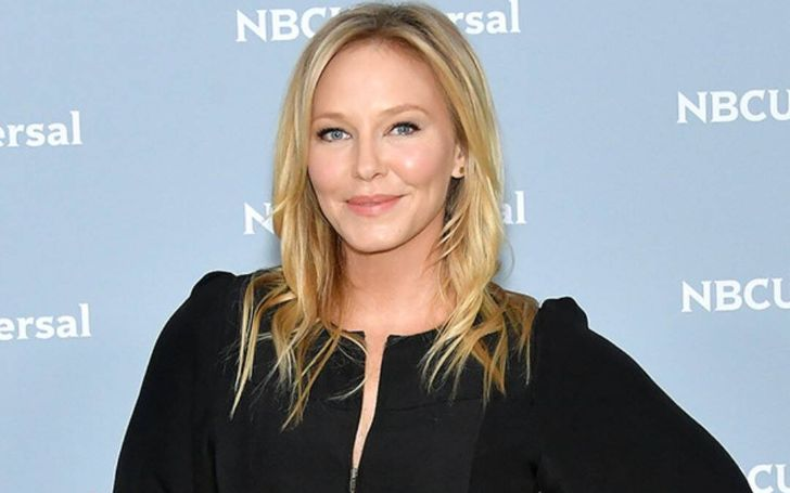 Kelli Giddish has an estimated net worth of $8 million.