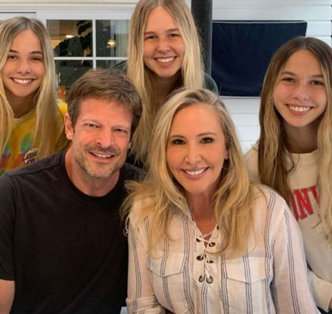 Shannon Beador lives with her three daughters and her new lover.