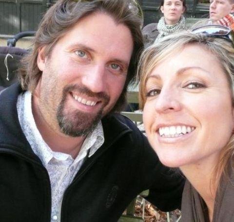 Many mightn't know, but Kenny Kramme and her lovely wife, Laura Ingle, are married for a decade now.