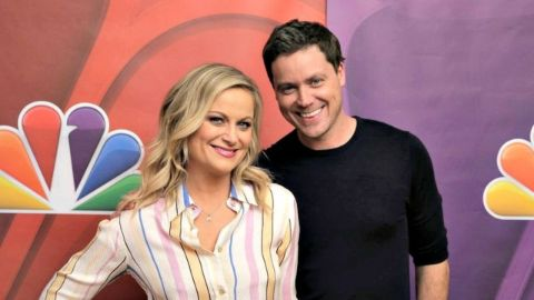 Greg Poehler poses a picture with sister Amy Poehler.