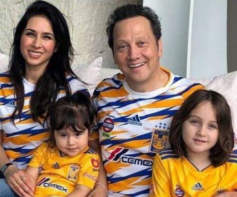 Helena Schneider's ex-husband is father to his three children.