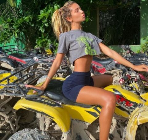 The swimsuit model and Instagram plus YouTube star Sierra Egan holds an outstanding net worth of $1,500,000 as of January 2021.