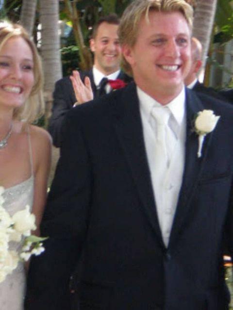 Stacie Zabka and husband wedding pictures