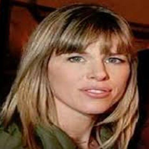 Joya Tillem dated several years before she married Jon