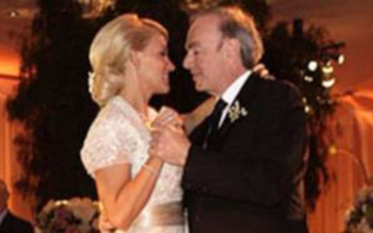 Neil Diamond, and Katie McNeil ar married for many years.