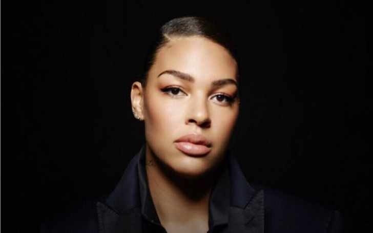 Liz Cambage has a net worth collection of $1 million