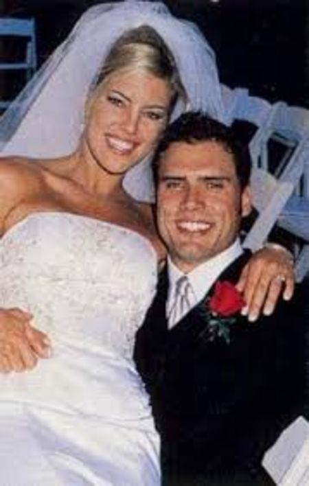 Tobe Keeney is happily married to husband Joshua for 20 years.