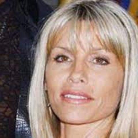Annie met Dennis Rodman at a nightclub in 1987.