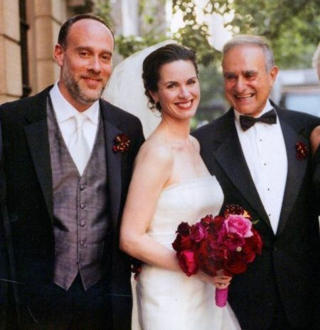 Elizabeth Vargas is not dating anyone recently.