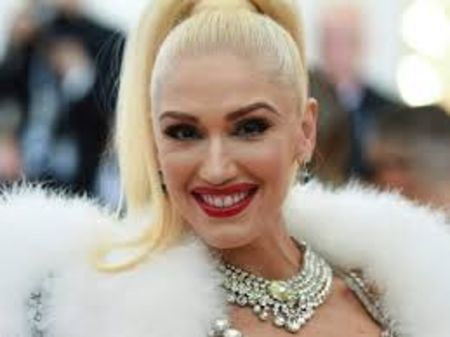 Gwen Stefani is way more popular than her siblings.