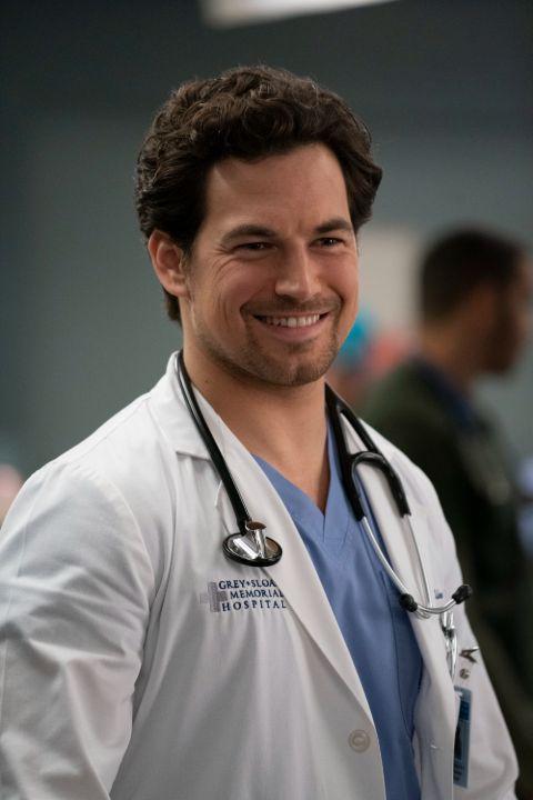 Greys Anatomy Leaves Fans Devastated in Mid Season Premiere