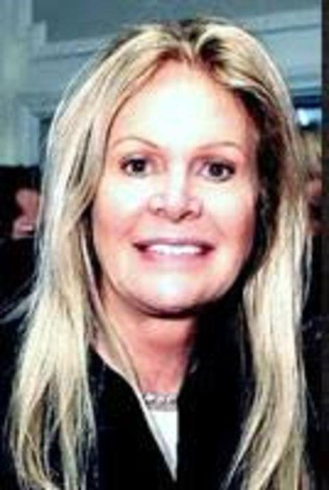 Elaine Callei Trebek is married to Peter Kares