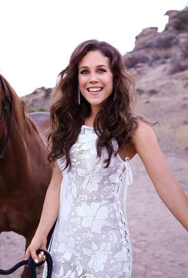 Professionally an actress Erin Krakow is a millionaire.