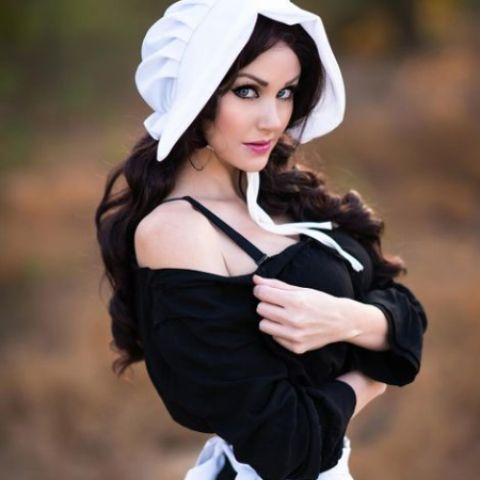 Angela with maid uniform.