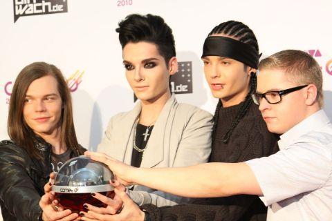 Tom Kaulitz and his band Tokio Hotel in Award show.